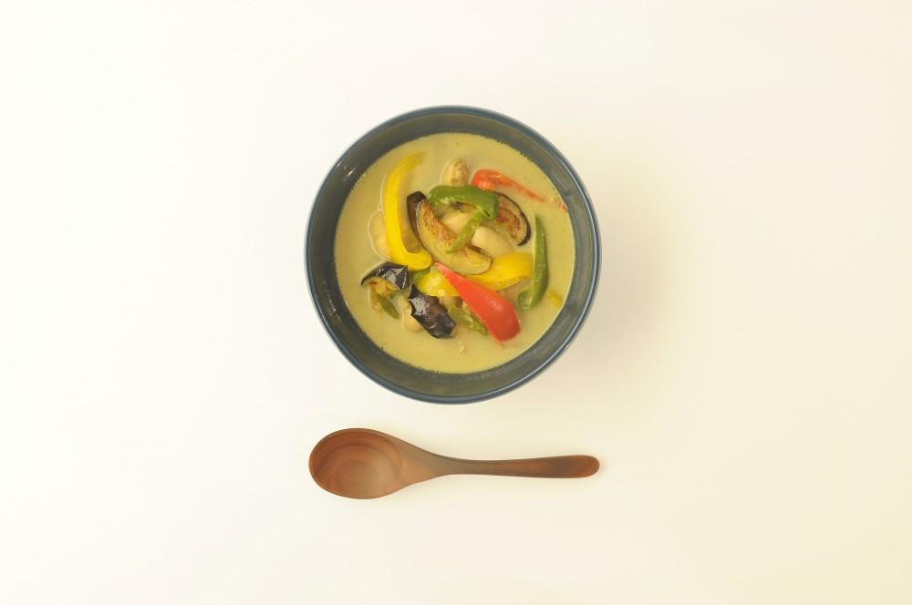 タイ風ココナッツカレースープ