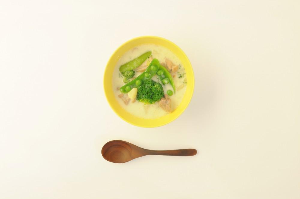 鶏肉と緑野菜のチーズクリームスープ