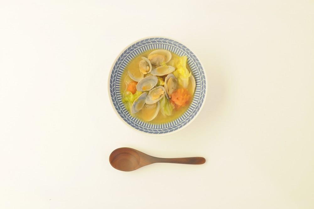 アサリとキャベツの味噌バタースープ