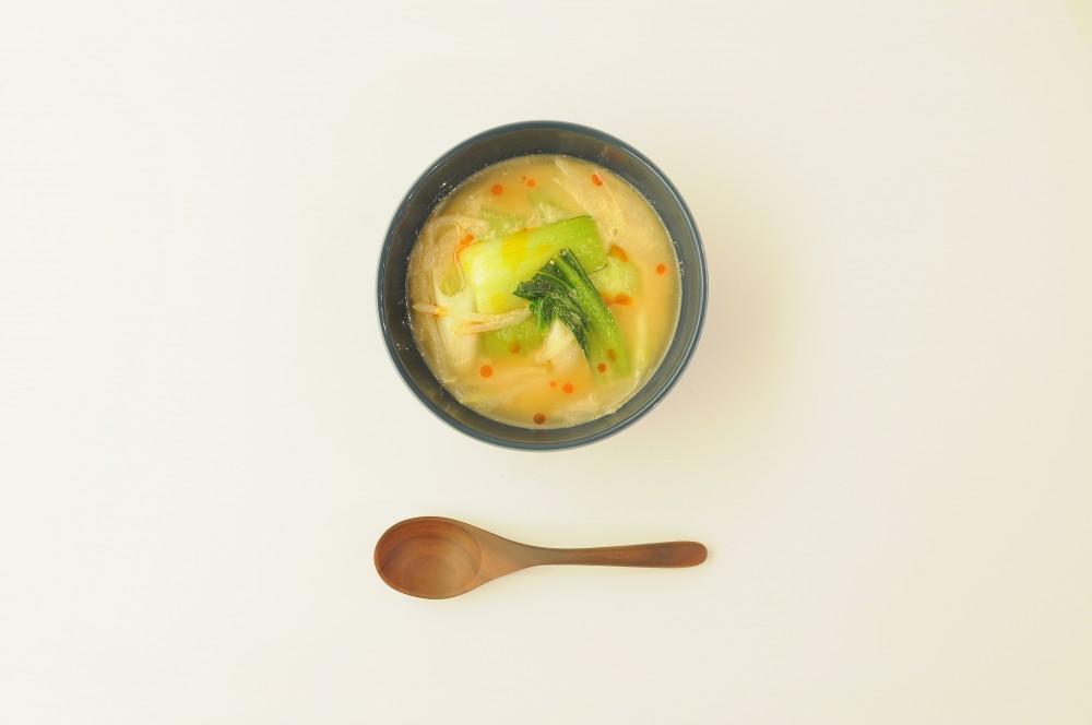 チンゲン菜のピリ辛ごまみそスープ