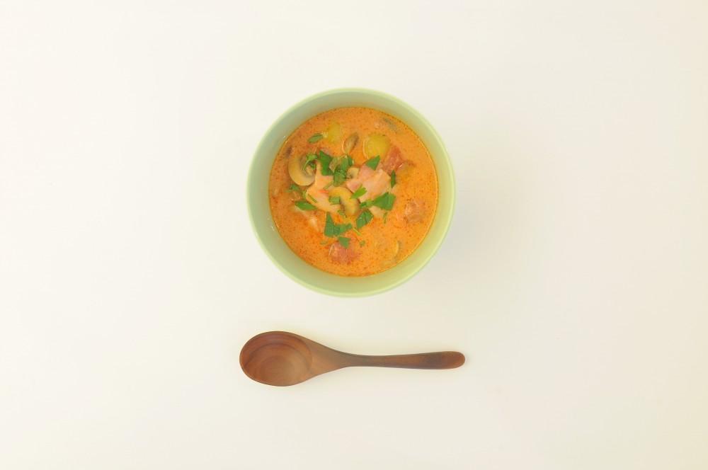 ベーコンとマッシュルームのトマトミルクスープ