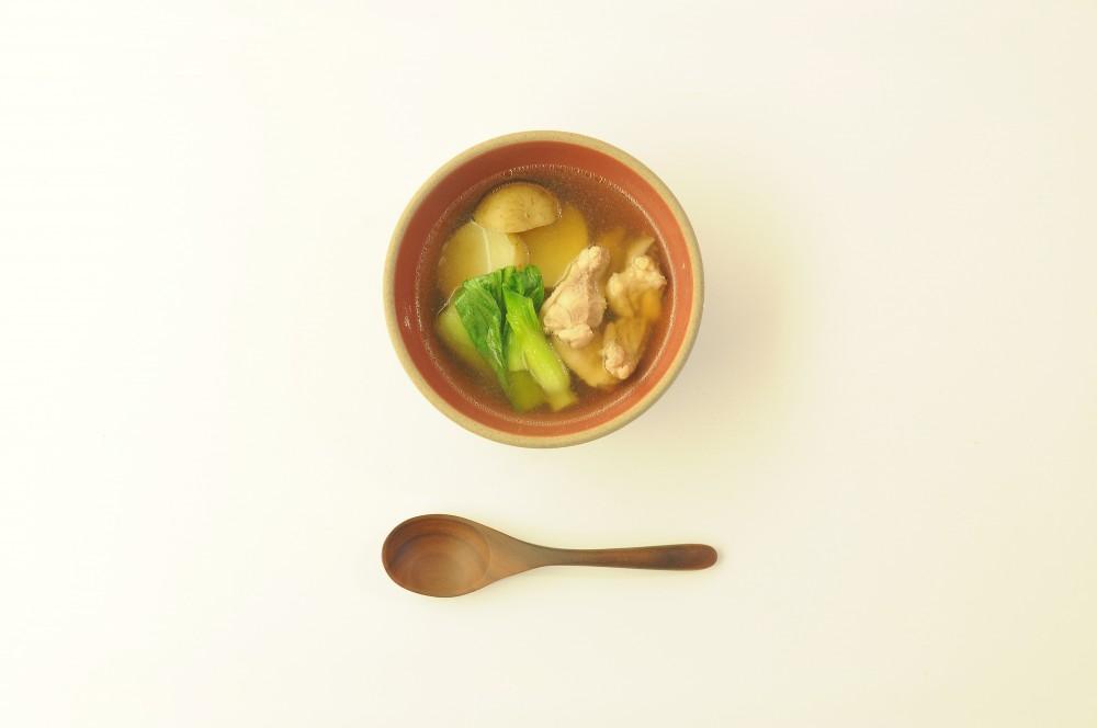 鶏肉とチンゲン菜のオイスタースープ
