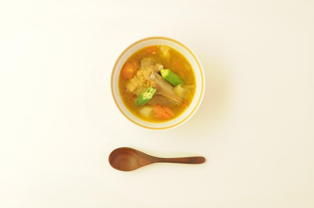 豚スペアリブとオクラのスープカレー