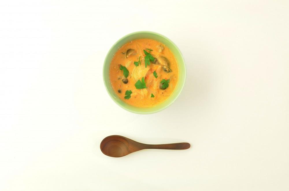 若鶏ときのこのトマトクリームスープ