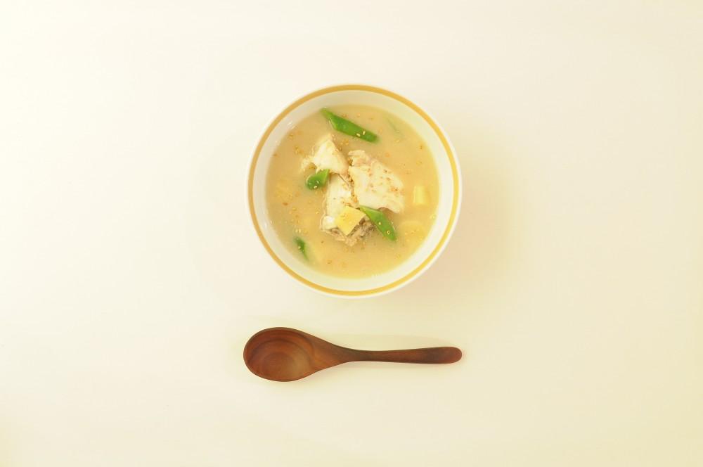 鯛のあらといんげんのねり胡麻スープ