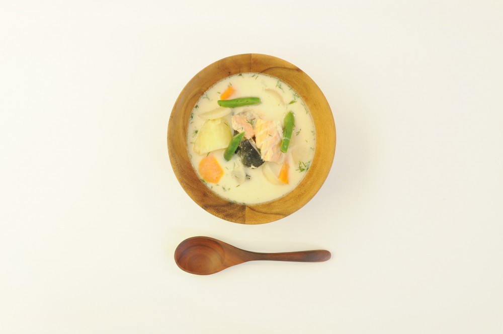 秋鮭のあら汁 味噌クリーム仕立て