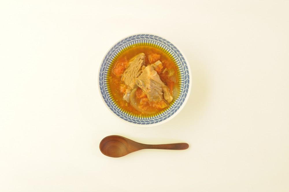 スペアリブの台湾風トマトスープ
