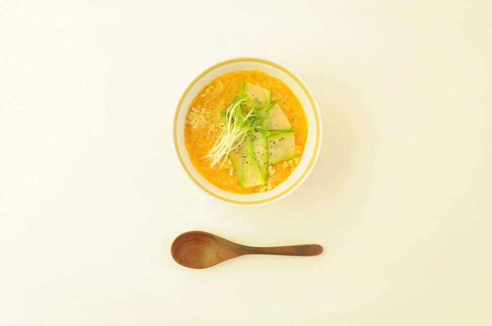 鶏挽肉と春雨の担々味噌スープ