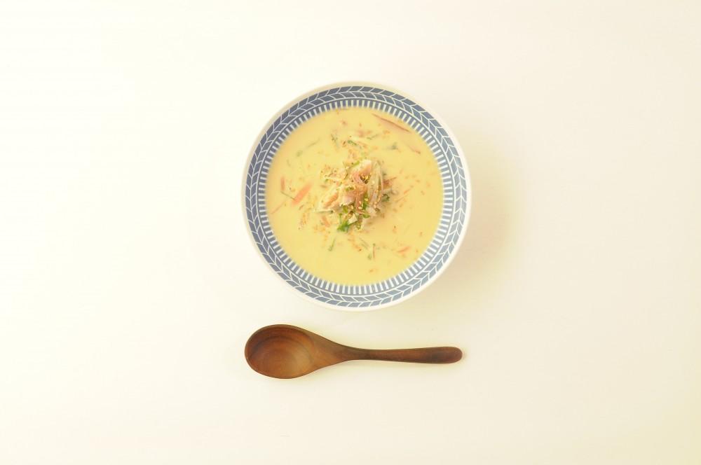 鯵と香味野菜の白胡麻スープ