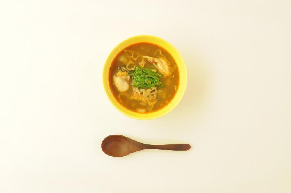牡蠣と冬野菜のスープ