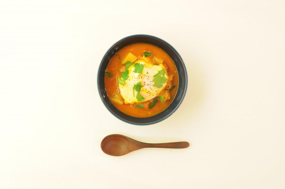 鱈のトマトスープ煮込み ポーチドエッグ添え