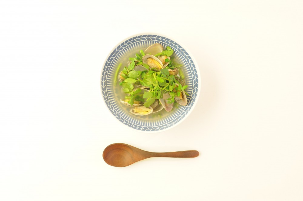 あさりとクレソンのアンチョビガーリックスープ