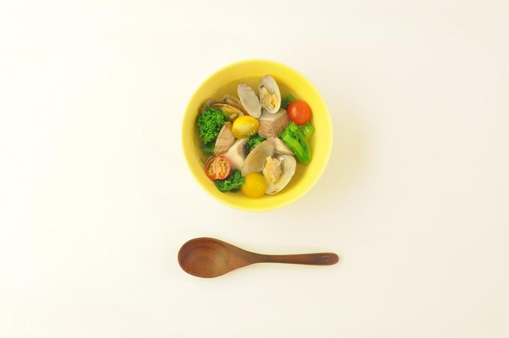 菜の花と寒鰤とあさりの潮スープ