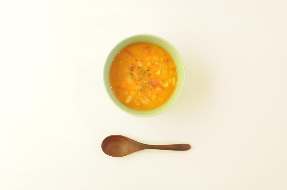 押し麦の味噌トマトスープ