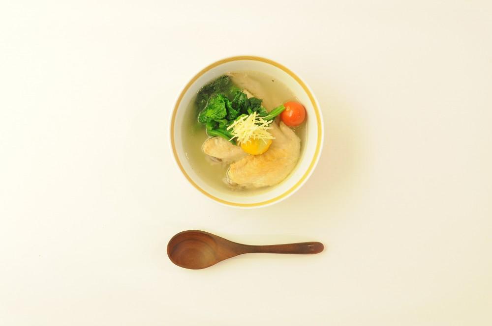 手羽先と菜の花のジンジャースープ