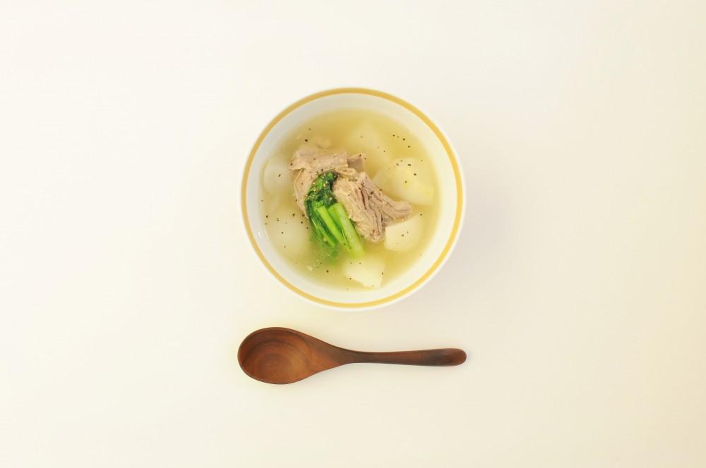 塩麹でマリネしたスペアリブとかぶのスープ