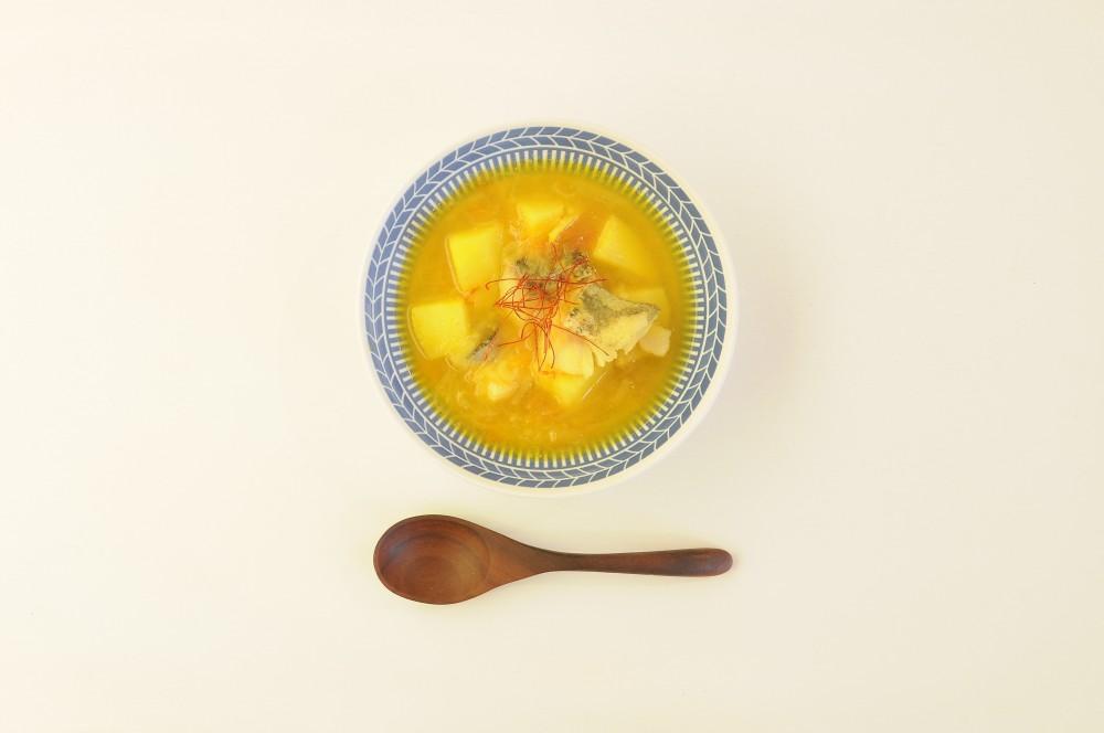 鱈とじゃが芋のサフランスープ