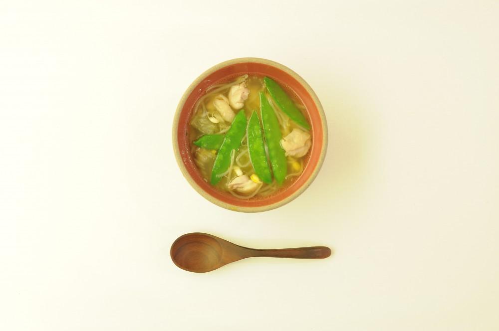 鶏肉とセロリの和風スープ