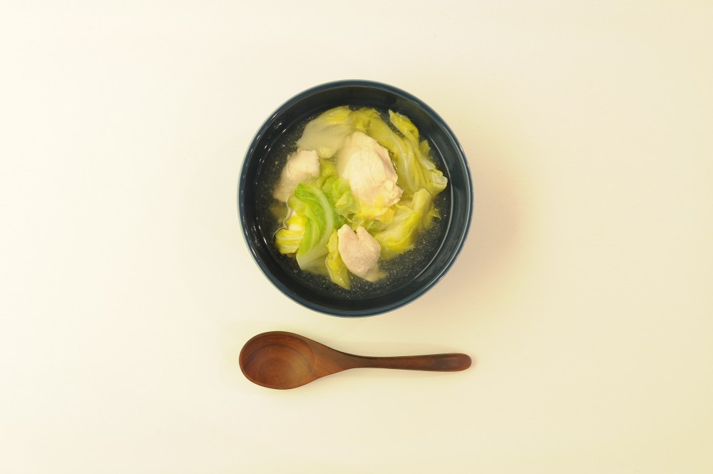 鶏肉と春キャベツのスープ