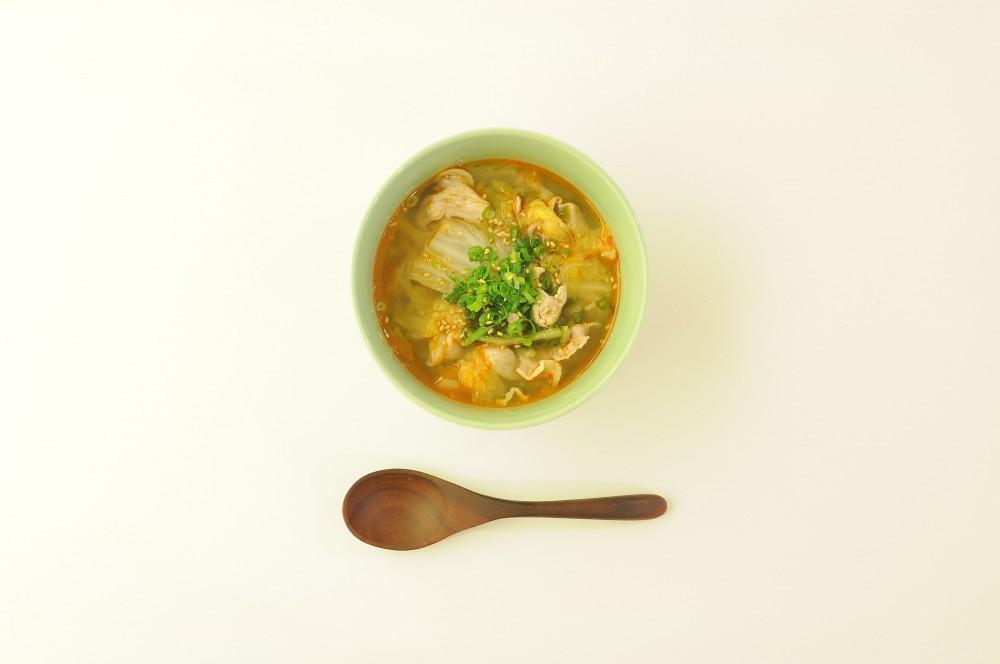 豚肉と白菜のピリ辛スープ