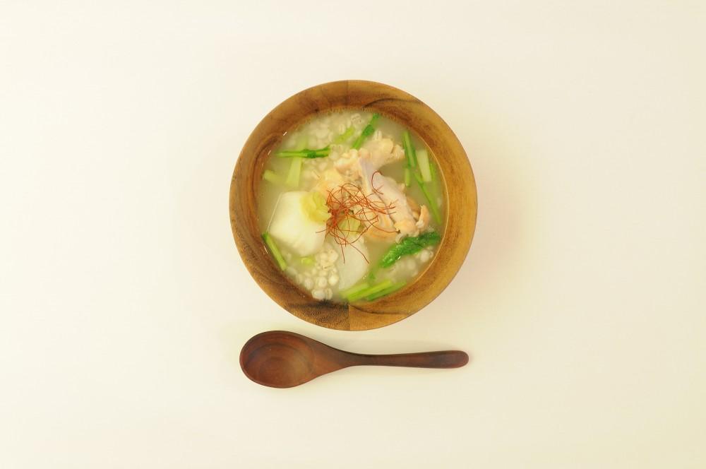 かぶと鶏肉と押し麦のスープ