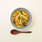 鶏スペアリブと野菜のスープカレー